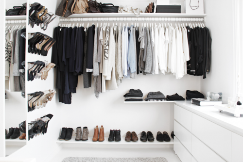 Organizing_walk-in-closet Stylizimo (1)