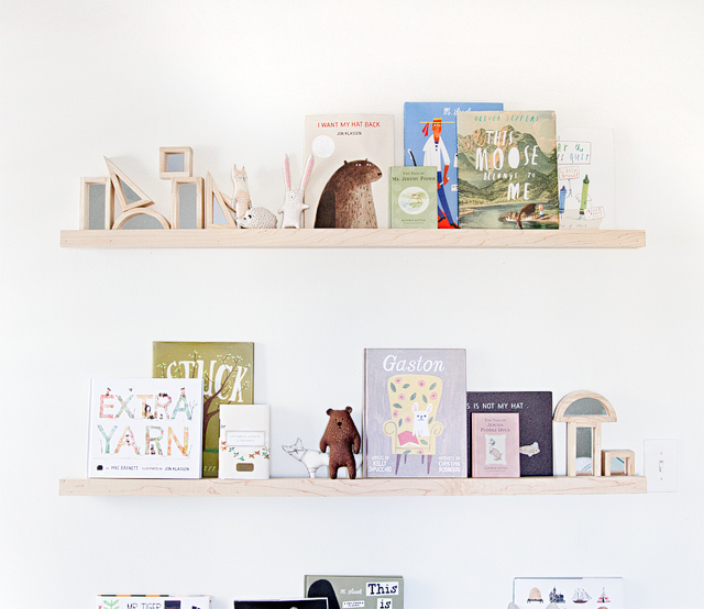 04nursery-shelves-diy